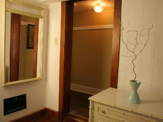 Downtown Madison Apartment-Quiet Cottage Vibe; Walk to Restaurants/Bars/Cafe's - Madison vacation rentals