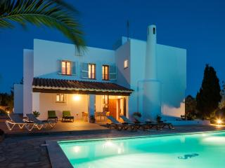 Beautiful 5 Bedroom Villa in Ibiza Town with Pool - Ibiza Town vacation rentals
