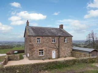 HEALD FARM, detached, stone-built cottage, oil Aga, enclosed garden, near Garstang, Ref 30797 - North West England vacation rentals