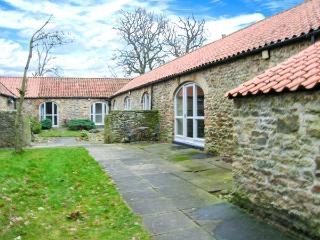 WEAR VIEW COTTAGE, detached, stone-built cottage, woodburner, walks from the door, single-storey accommodation, near Hamsterley, - Hamsterley vacation rentals