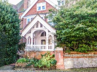 LONGWOOD, beautiful apartment, close to the beach, WiFi, in Eastbourne, Ref. 905294 - Eastbourne vacation rentals