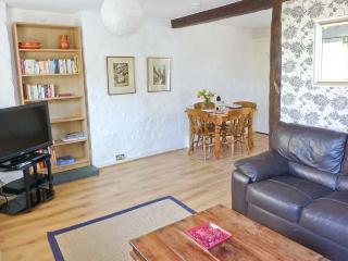 THE OLD STABLES, WiFi, open plan living area, pet-friendly, end-terrace cottage near Grange-over-Sands, Ref. 905662 - Grange-over-Sands vacation rentals