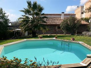 Majestic 5-bedroom villa in L'Ametlla del Vallès, only 20 minutes from Barcelona - Barcelona Province vacation rentals