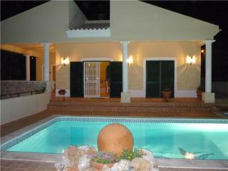 Holiday house for 6 persons, with swimming pool , in Portimao - Portimão vacation rentals