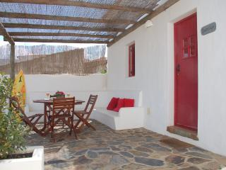 1 BEDROOM COTTAGE WITH PATIO IN A REBUILT TRADITIONAL VILLAGE, IN VILA DO BISPO, SAGRES - REF. ADP136700 - Albufeira vacation rentals