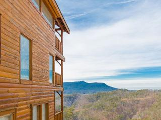 Incredible Cabin with Amazing Mountain Views! 5 Minutes from Parkway. - Tennessee vacation rentals