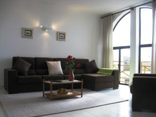 South Facing Large 3 Bed Apartment Extensive Views - Lagos vacation rentals