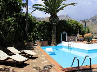 Villa Eos, private pool and close to the centre. - Taormina vacation rentals