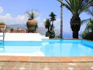 PANORAMIC APARTMENT with pool - Taormina vacation rentals