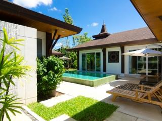 3 Bedroom Holiday Villa for Rent in Thalang, Phuket - ban45 - Kata vacation rentals