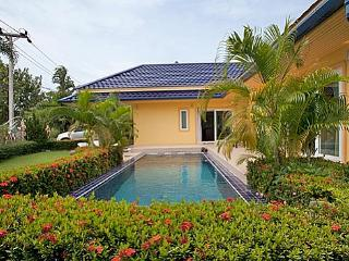 3 Bedroom Nice Garden Villa in Rawai Beach - raw08 - Kata vacation rentals