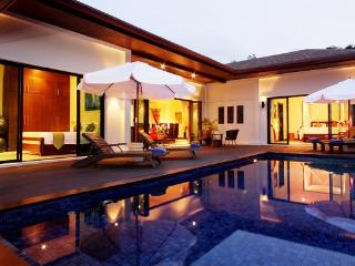 Luxury Holiday Villa Available in Naiharn Beach, Phuket - nai11 - Kata vacation rentals