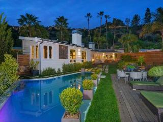 Devlin Place Villa with heated pool, city views & a two minute walk to Sunset Blvd - Los Angeles vacation rentals