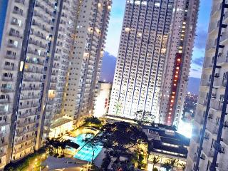 ♥ Indulge City Life through Inexpensive & Comfy Place! - Quezon City vacation rentals