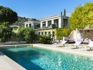 Modern Villa in l'Escalet, 5 bedrooms, 10 people - Saint-Tropez vacation rentals
