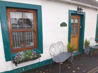 Blackfaulds Cottage, Fenwick, near Glasgow - East Ayrshire vacation rentals