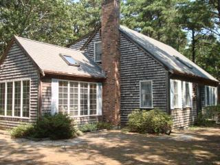 Neighborhood Path to Freshwater Pond & Internet - Wellfleet vacation rentals
