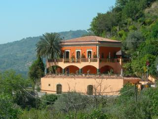 Villa Due Angeli.......taormina Sicily Vicinity - Graniti vacation rentals