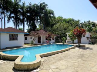 Procab Cabarete. 2 bedroom 1 bath bungalow. Fully furnished – one queen bed, two twin beds. - Cabarete vacation rentals
