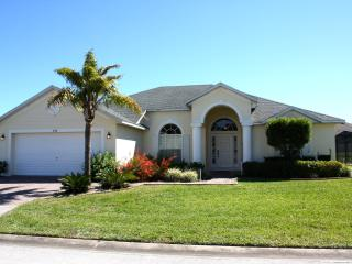Lovely 4 Bedroom & 3 Bathroom Villa - Disney vacation rentals
