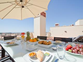 3 Bed Penthouse Apartment in Exclusive VILA SOL - Portimão vacation rentals