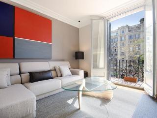 B365 LUXURY CITY BIS 2 - Barcelona vacation rentals