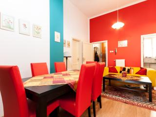Budapest Theatreland Apartment - 3 Bedrooms - Budapest vacation rentals
