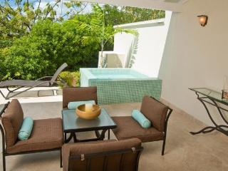 3 Bedroom Townhouse with Plunge Pool & Nightlife! - Enterprise vacation rentals