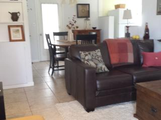 Great little beachside home! - Daytona Beach vacation rentals