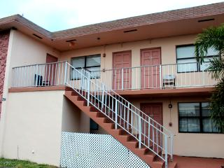 Mary Pop Apartments 1 1/2 Miles From Hollywood Beach - Dania Beach vacation rentals