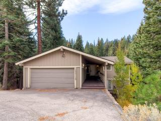 Ponderosa Cabin conveniently located near downtown Truckee! - Lake Tahoe vacation rentals
