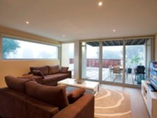 Alouarn Apartment 2 - Can be a 2 bedroom 2 bathroom as well - Western Australia vacation rentals