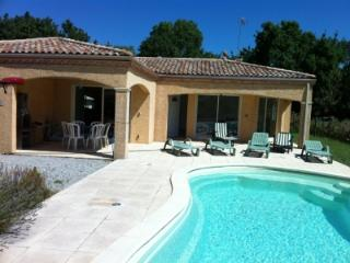 Airy New 3BR Villa in Gated Community w Pool & Spa - Carcassonne vacation rentals