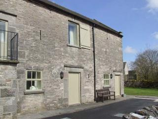 YEW TREE COTTAGE, part of the Chatsworth Estate, pet-friendly, woodburner in Wetton Ref 17466 - Peak District National Park vacation rentals