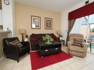 3 Bedroom 3 Bath Town house with Splash pool in Kissimmee. - Orlando vacation rentals