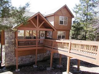 Whispering Woods Lodge-2 bedroom, 2 bath lodge located at Stonebridge Resort - Branson vacation rentals