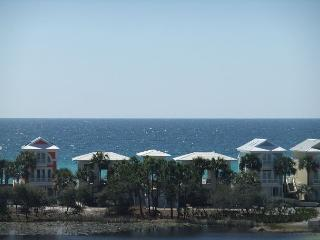 Largest market street condo, short stroll to the beach. - Carillon Beach vacation rentals