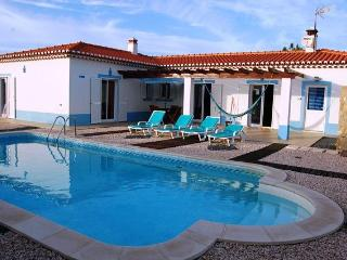 3 bedroom Villa with swimming pool in a quiet area near the beach - Aljezur vacation rentals