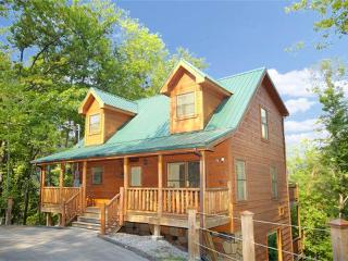 Bearfoot Lodge - Pigeon Forge vacation rentals