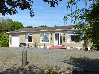BLOOMFIELDS, pet-friendly, all ground floor, welcoming cottage near Duncannon Ref. 30437 - Duncannon vacation rentals