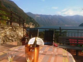 4 Bedroom House With Amazing Views Sleeps Up To 9 People - Argegno vacation rentals