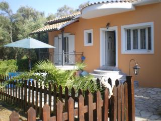 Cozy Villa -4 beds in a green surrounding in Corfu - Kavos vacation rentals