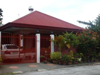 Spacey one storey house in subdiv near Davao City - Cebu vacation rentals