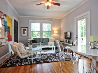 Bright End Unit on Quiet Street In Dilworth - Charlotte vacation rentals
