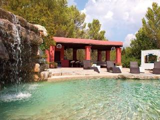 Exceptional Villa Bosque de Pere offers a steam room, infinity pool and wet bar - Ibiza vacation rentals