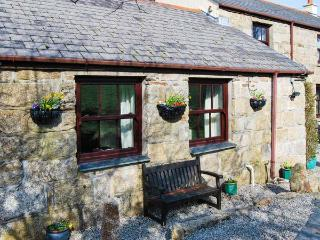 BETTYSCOT, pet friendly, with a garden in Redruth, Ref 905280 - Redruth vacation rentals