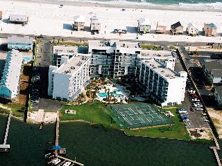 Gulf Shores Surf Racquet 305B - 408592 September is Warm and Beautiful here!...Book 5 Nights Get 6th Night FREE!! - Gulf Shores vacation rentals