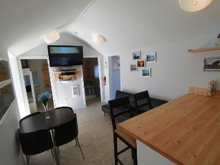 Beach1.com - Plovers Cove Cottage - Wasaga Beach vacation rentals
