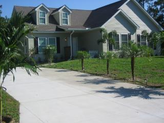 Sunny Comfortable Country Home - Close to Warm Mineral Springs - North Port vacation rentals