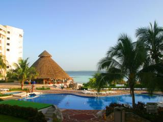 Luxury Cancun accommodations without all inclusive fees! - Four Corners vacation rentals
